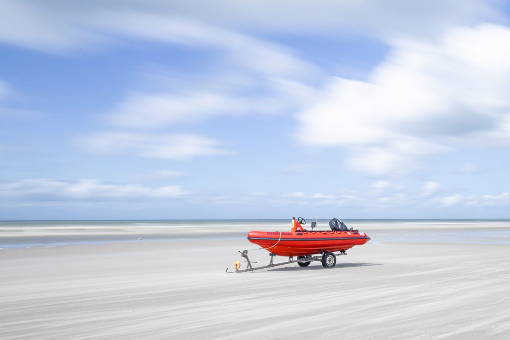 Reddingsboot op het strand